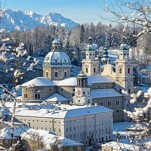 Salzburger Dom im Winter