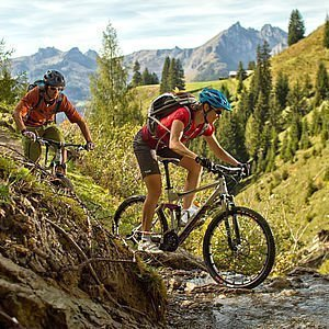 Mountainbiker, unterwegs in den Bergen